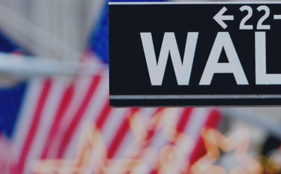 Акции Уолл-стрит сильно